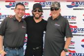 Chris Janson Hangs With KUZZ/Bakersfield At Stagecoach