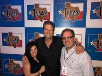 Blake Shelton Pops Up In Texas