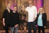 Carrie Underwood Hosts 'Cry Pretty' Listening Party