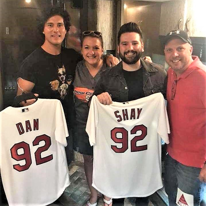 Dan Shay Speechless: Country Artist, Band, And Radio Photos