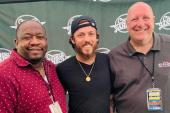 Chris Janson Brings 'Good Vibes' To Philly