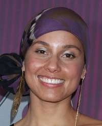 alicia-keys-jan-25-40-2021-photo-kathy-hutchins---shutterstock.jpg
