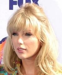 taylor-swift-dec-13-31-2020-photo-kathy-hutchins---shutterstock.jpg